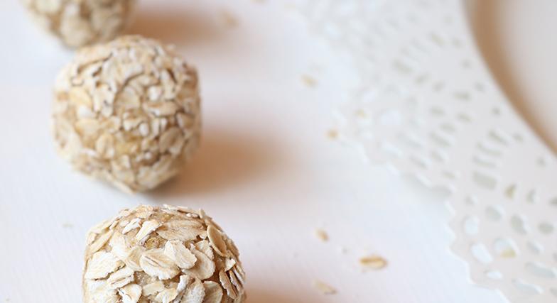 Greitai ir lengvai paruošiami avižiniai riešutų sviesto  rutuliukai, kurių nereikia kepti
